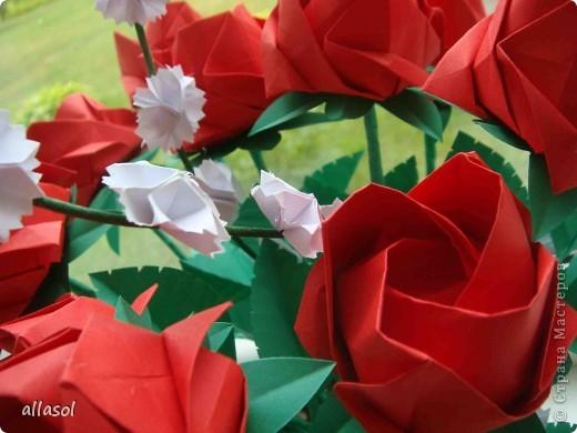 Продолжаю подготовку к выставке цветов оригами. Розы Кавасаки я уже делаю не в первый раз.  http://stranamasterov.ru/node/198800  фото 4