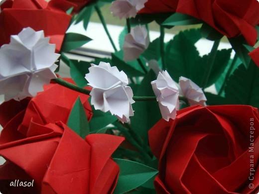 Продолжаю подготовку к выставке цветов оригами. Розы Кавасаки я уже делаю не в первый раз.  http://stranamasterov.ru/node/198800  фото 5