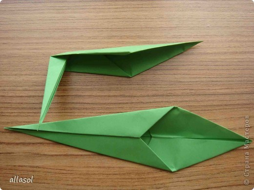 Продолжаю подготовку к выставке цветов оригами. Розы Кавасаки я уже делаю не в первый раз.  http://stranamasterov.ru/node/198800  фото 7