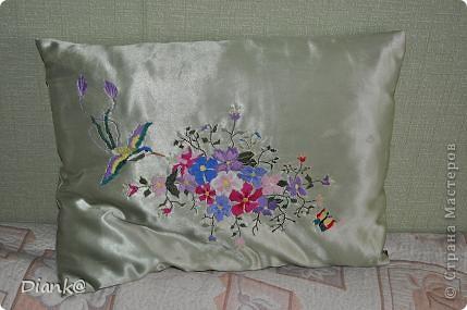 Подушка с бабочкой фото 2
