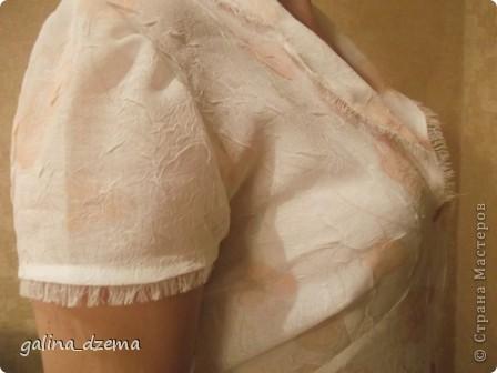 Ну вот, как началось второе дыхание! Пошла в гости к tatite (давно), взяла BURDу, села и с подсказками  tatitы  пошила. Самой даже  понравилось! Вначале юбка, потом к ней блузочка. Зато такого никого уж точно   нет! фото 5