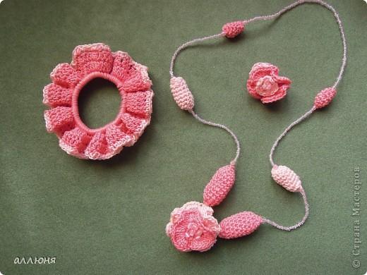 """Здравствуйте! Моя дочка, как и многие девочки, очень любит наряжаться. Такие украшения я сделала для нее и теперь она """"Принцесса цветов"""":) фото 4"""