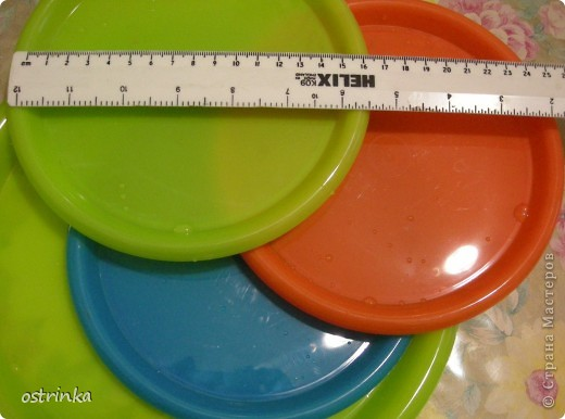Панно из пластиковой тарелочки. Распечатка, клей, краска, яичная скорлупа, лак.  Использовала кракелюр на ПВА. фото 7