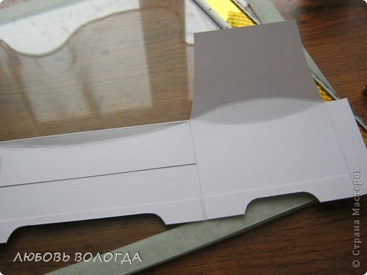 Заказали сделать коробочку для денег на свадьбу, простую делать не захотелось, а вот ларчик заинтересовал... За основу взяла МК Астории http://asti-n.ya.ru/index_blog.xml , Розочки то же по ее МК. Но немного изменила форму и размер, с учетом того, что у меня была бумага А-4. фото 5