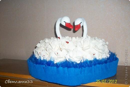 """Здравствуйте, выношу на ваш суд свои """" творения"""". Мой самый первый букетик, так сказать проба пера.Сделала его на день рождения своей сестренке. фото 2"""