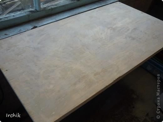 Был на даче вот такой вот стол, мне он никак не нравился и я решила изменить его. фото 2