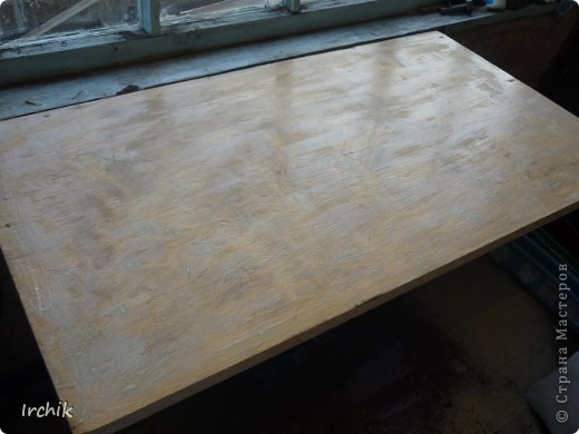 Был на даче вот такой вот стол, мне он никак не нравился и я решила изменить его. фото 3