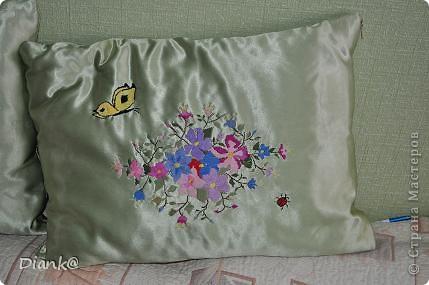 Подушка с бабочкой фото 1