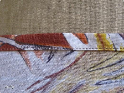 Сшила себе сарафан. Ткань из маминых запасов.  Верх собран при помощи нитки-резинки. Использовала ткань шириной 80 см., нитки в тон ткани, нитку-резинку белого цвета (ушло пол катушки), бельевую резинку шириной 0,7 см.  фото 3