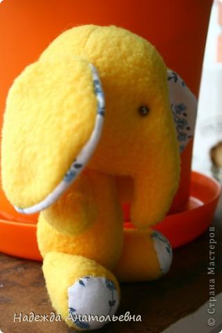 вот такой слоняшка) пока не одетый правда, надо еще штанишки сшить) фото 2