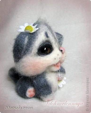 Долго не могла определить, что же я хочу сделать для мамі... Кролика делала, котенка тоже.. Птичка была.. Но, все равно, решила остановиться на теплом и пушистом, на том, что бы душу согрел, при одном всзгляде.. Ну кто же это может быть, как не котенок))) фото 4