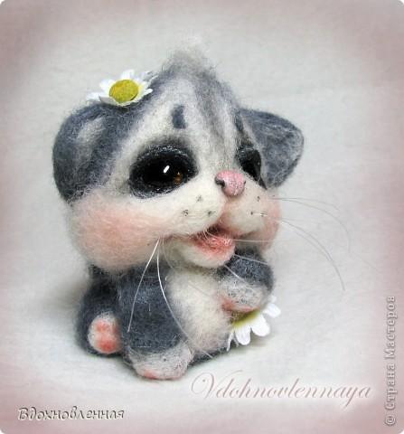 Долго не могла определить, что же я хочу сделать для мамі... Кролика делала, котенка тоже.. Птичка была.. Но, все равно, решила остановиться на теплом и пушистом, на том, что бы душу согрел, при одном всзгляде.. Ну кто же это может быть, как не котенок))) фото 6