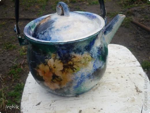 Донышко у этого чайника ничем не покрыто, думаю можно будет попробовать его греть. фото 1