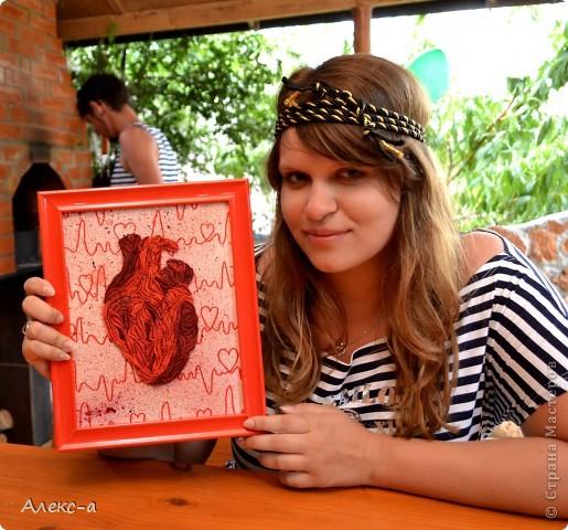 Есть у меня один человечек)))очень дорогой мне) он медик,безумно любит красный и отлично знает анатомию сердца)  Идея Лизы Нильссон и Сары Якаунис!  фото 2