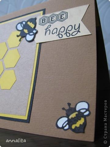Вот такая пчелиная открыточка у меня сотворилась на днях.  Внутренняя часть - любимая мною техника pop-up. фото 3