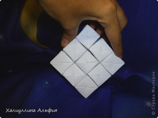 Вот такие кубики я научилась собирать из модулей Сонобе. Вот ссылка на подробный видеоурок для тех, кто решится тоже сделать эту модель: http://www.youtube.com/watch?feature=player_embedded&v=7A_4e-_J714 фото 3