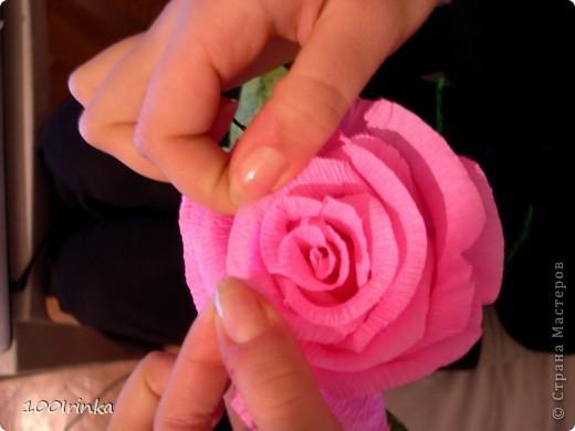 Красивая роза своими руками из гофрированной бумаги