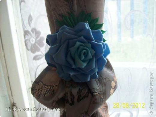 Сноха просто повязывала шторы лентами, и я ей предложила превратить их в розы. Ей понравились. фото 2