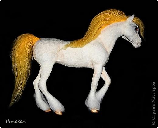Лошадь из шерсти Сложность работы: выше средней Время работы: 15-20 дней Здравствуйте, Дорогой любитель лошадей и творчества! Предлагаю сделать своими руками скульптурную лошадь из шерсти. Общая высота Златы 23 см, высота в холке 17 см, длина 25 см. фото 41
