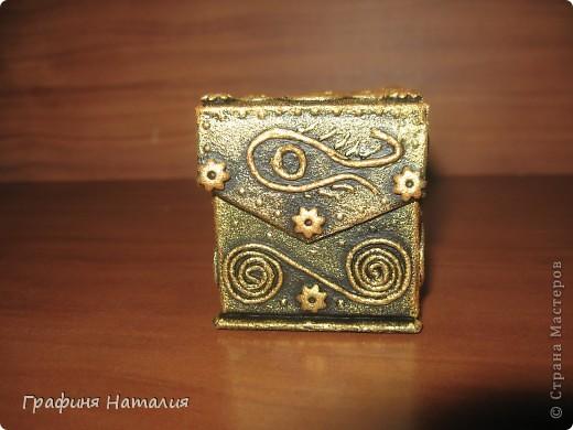 Вот моя первая коробочка, насмотрелась в СТРАНЕ МАСТЕРОВ шедевров и тоже загорелось попробовать! фото 4