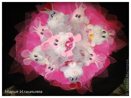 розовый букетик из 9 зайцев фото 1