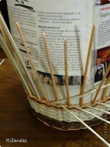 Мастер-класс Поделка изделие Плетение Послойное плетение Бумага газетная фото 16