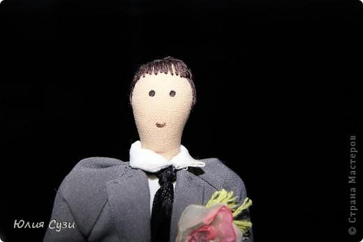В первом мастер-классе я показала как я сшила эту чудесную невесту, в этом же расскажу как сшить жениха. Сразу скажу, что этот мк не такой подробный как первый, т.к. многие моменты повторяются. фото 28