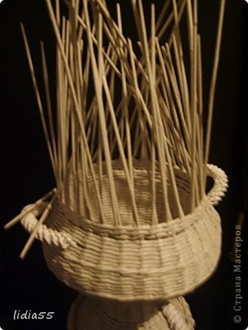 Мастер-класс Поделка изделие Начало учебного года Плетение кашпо или ваза Бумага газетная Трубочки бумажные фото 31