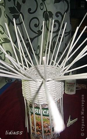 Мастер-класс Поделка изделие Начало учебного года Плетение кашпо или ваза Бумага газетная Трубочки бумажные фото 9