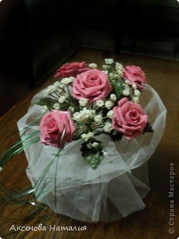 Недавно моя дочь вышла замуж. Ее свадебный букет мне очень понравился и я решила сделать что-то подобное. Ну, а что получилось выставляю на ваш суд. фото 8