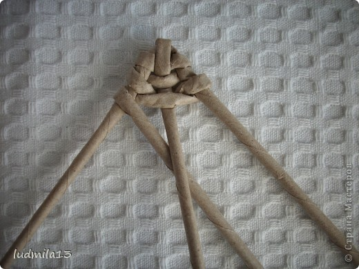 Здравствуйте! Пообещала сфотографировать, как я делаю черешок и листик. Пока есть настроение - выполняю. Все это, конечно, для начинающих. фото 14
