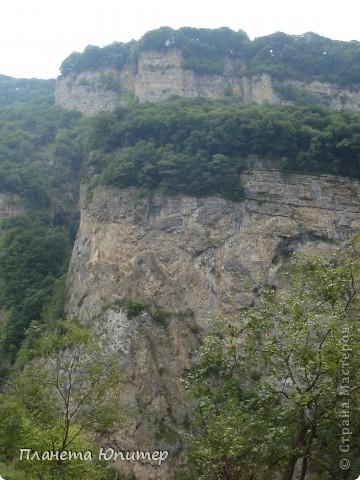 Добрый день еще раз! Дорогие жители СМ, хочу продолжить свой репортаж о Северном Кавказе. На этот раз покажу Вам Черекскую теснину, которая также находится на территории Кабардино-Балкарии. На пути к этому чудесному месту............ фото 4