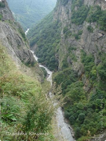 Добрый день еще раз! Дорогие жители СМ, хочу продолжить свой репортаж о Северном Кавказе. На этот раз покажу Вам Черекскую теснину, которая также находится на территории Кабардино-Балкарии. На пути к этому чудесному месту............ фото 5