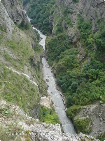 Добрый день еще раз! Дорогие жители СМ, хочу продолжить свой репортаж о Северном Кавказе. На этот раз покажу Вам Черекскую теснину, которая также находится на территории Кабардино-Балкарии. На пути к этому чудесному месту............ фото 6