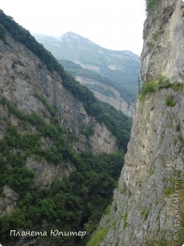 Добрый день еще раз! Дорогие жители СМ, хочу продолжить свой репортаж о Северном Кавказе. На этот раз покажу Вам Черекскую теснину, которая также находится на территории Кабардино-Балкарии. На пути к этому чудесному месту............ фото 7