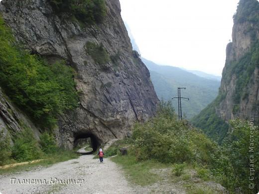 Добрый день еще раз! Дорогие жители СМ, хочу продолжить свой репортаж о Северном Кавказе. На этот раз покажу Вам Черекскую теснину, которая также находится на территории Кабардино-Балкарии. На пути к этому чудесному месту............ фото 8