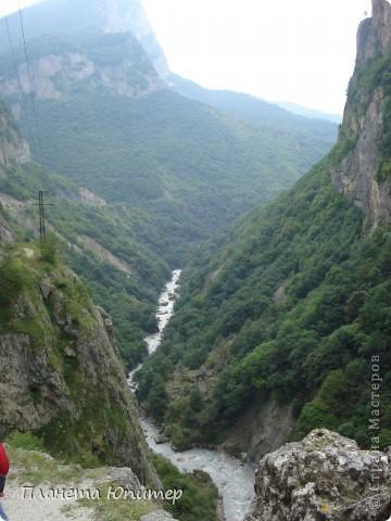 Добрый день еще раз! Дорогие жители СМ, хочу продолжить свой репортаж о Северном Кавказе. На этот раз покажу Вам Черекскую теснину, которая также находится на территории Кабардино-Балкарии. На пути к этому чудесному месту............ фото 9