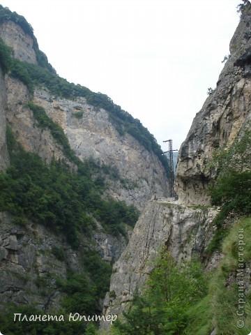 Добрый день еще раз! Дорогие жители СМ, хочу продолжить свой репортаж о Северном Кавказе. На этот раз покажу Вам Черекскую теснину, которая также находится на территории Кабардино-Балкарии. На пути к этому чудесному месту............ фото 10