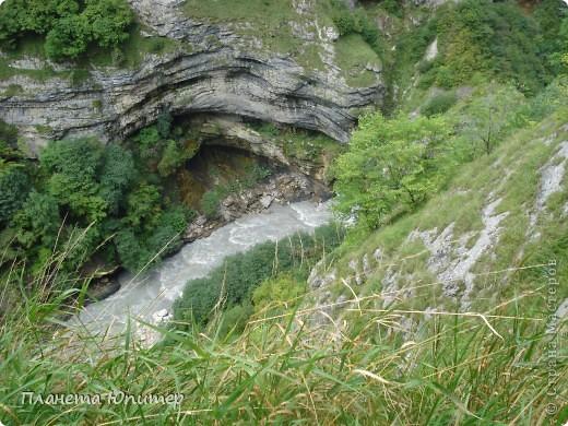 Добрый день еще раз! Дорогие жители СМ, хочу продолжить свой репортаж о Северном Кавказе. На этот раз покажу Вам Черекскую теснину, которая также находится на территории Кабардино-Балкарии. На пути к этому чудесному месту............ фото 11
