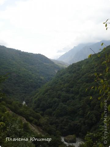 Добрый день еще раз! Дорогие жители СМ, хочу продолжить свой репортаж о Северном Кавказе. На этот раз покажу Вам Черекскую теснину, которая также находится на территории Кабардино-Балкарии. На пути к этому чудесному месту............ фото 12