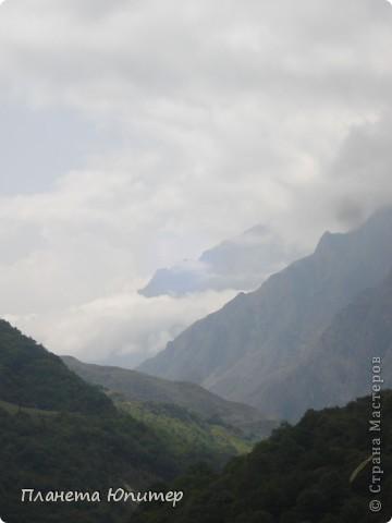 Добрый день еще раз! Дорогие жители СМ, хочу продолжить свой репортаж о Северном Кавказе. На этот раз покажу Вам Черекскую теснину, которая также находится на территории Кабардино-Балкарии. На пути к этому чудесному месту............ фото 13