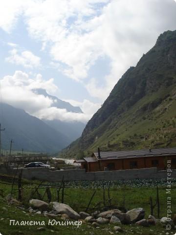 Добрый день еще раз! Дорогие жители СМ, хочу продолжить свой репортаж о Северном Кавказе. На этот раз покажу Вам Черекскую теснину, которая также находится на территории Кабардино-Балкарии. На пути к этому чудесному месту............ фото 14