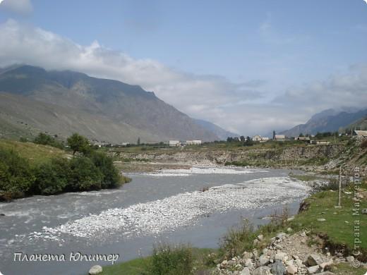 Добрый день еще раз! Дорогие жители СМ, хочу продолжить свой репортаж о Северном Кавказе. На этот раз покажу Вам Черекскую теснину, которая также находится на территории Кабардино-Балкарии. На пути к этому чудесному месту............ фото 19