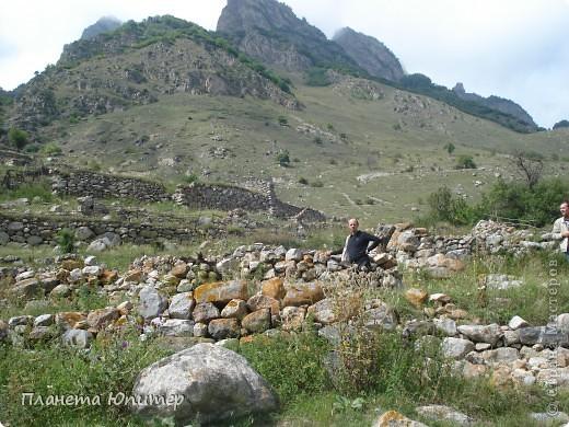 Добрый день еще раз! Дорогие жители СМ, хочу продолжить свой репортаж о Северном Кавказе. На этот раз покажу Вам Черекскую теснину, которая также находится на территории Кабардино-Балкарии. На пути к этому чудесному месту............ фото 18