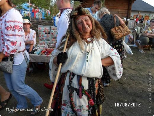 Я впервые попала на этот праздник - главную ярмарку Украины. Это был последний день. Людей - не протолкнуться. Но все же мне удалось кое что сфотографировать для вас, мои дорогие! фото 3