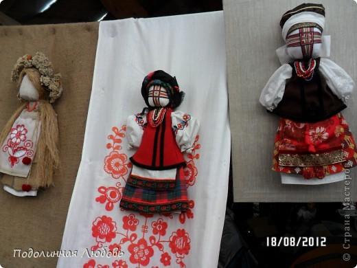 Я впервые попала на этот праздник - главную ярмарку Украины. Это был последний день. Людей - не протолкнуться. Но все же мне удалось кое что сфотографировать для вас, мои дорогие! фото 24