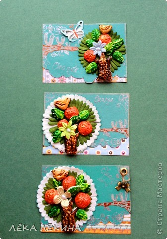 Сделала с ребенком почти 6 лет.  основа оргалит, рисовала гуашью, элементы из пластилина, использована крупа-манка и фасоль, сверху лак фото 5