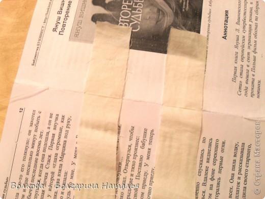 5.После прошивки корешок книжки проклеиваем (я использую клей для потолочной плитки (прозрачный, его ещё именуют...
