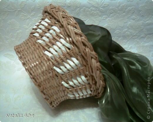 Привет всем! Действительно очень много чудесных работ сегодня разместили в технике плетения. Попробую и я.  Сплела наборчик в подарок на ДР . Очень долго подбирала синий цвет чтобы покрасить трубочки, но так в тон и не попала чуток. фото 14