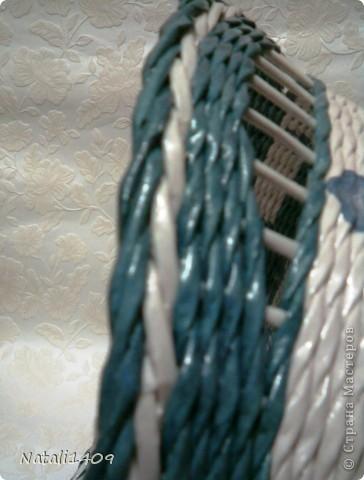Привет всем! Действительно очень много чудесных работ сегодня разместили в технике плетения. Попробую и я.  Сплела наборчик в подарок на ДР . Очень долго подбирала синий цвет чтобы покрасить трубочки, но так в тон и не попала чуток. фото 6